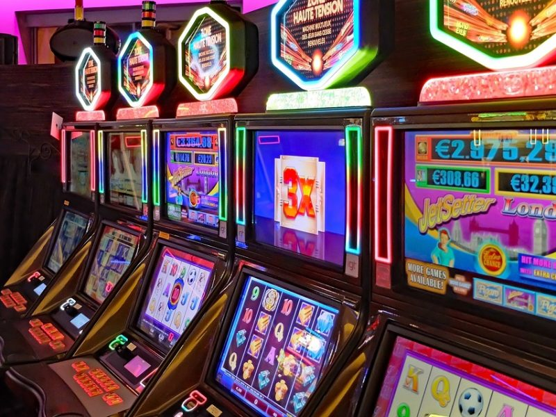 Tactic Tips For Free Online Slot Machine That Is Playing!